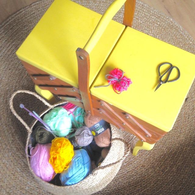 petit mousse 2 que faire avec des restes de laine. Black Bedroom Furniture Sets. Home Design Ideas