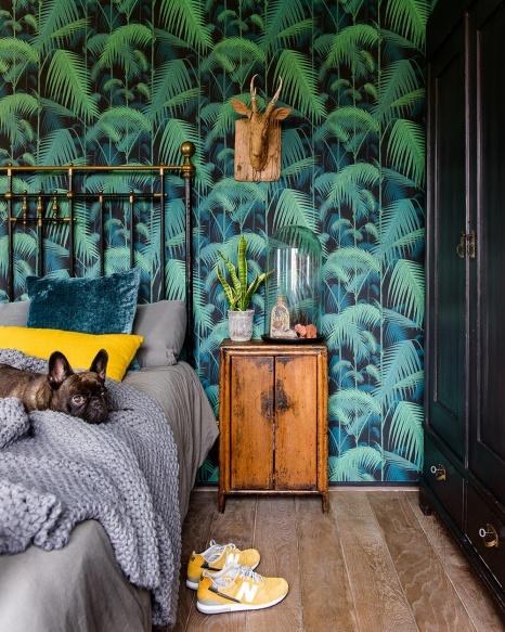 blog-slaapkamers-en-interieurs-met-tropisch-groen-behang-02-cole-and-son-palm-jungle