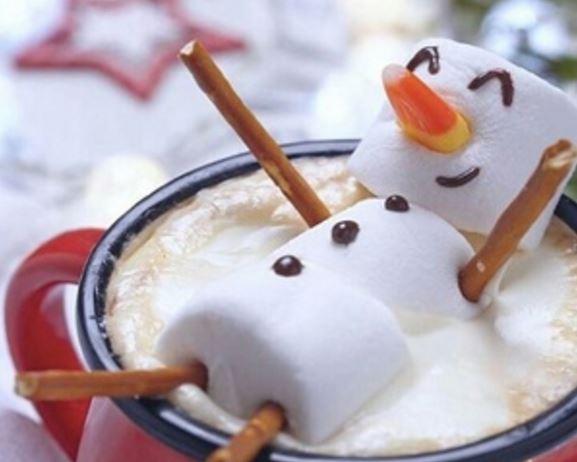 bonhomme-de-neige-dans-tasse